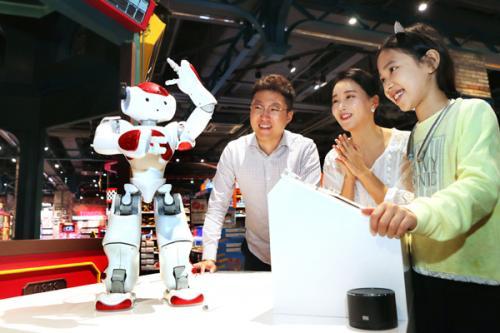 유통업계에 부는 '로봇' 바람…대화는 기본, 상품추전에 춤·통역까지