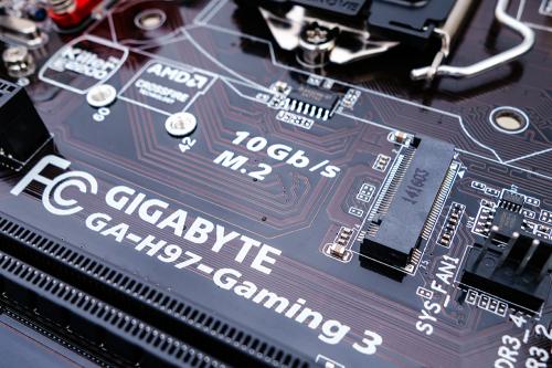 제조사 실수로 만든 메인보드, 기가바이트 H97-GAMING 3 피씨디렉트