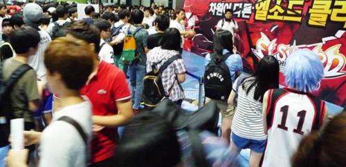 장수 온라인 액션 게임 엘소드, 게임 부스에 1만 4천명 운집
