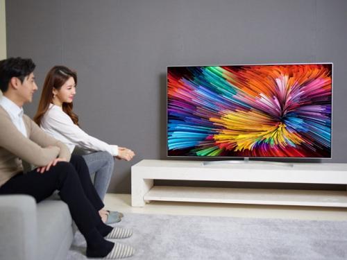 LCD의 극한 경쟁. LG전자 나노셀 vs 삼성전자 QLED