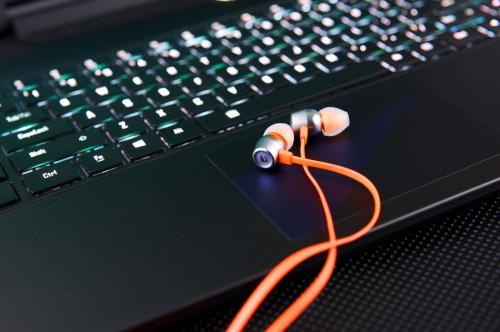 '하이 레졸루션 오디오'를 즐기기 위한 인이어 이어폰 3종