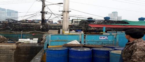 인천 남동구 소래포구어시장, 200개 넘는 무허가 좌판 업소 대형화재