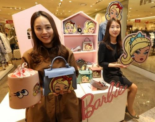 백화점업계, 대규모 봄 세일에도 '소비 절벽' 지속