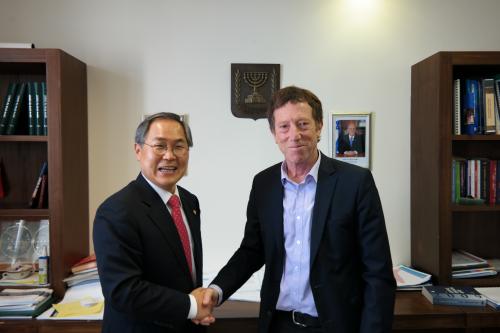 우윤근 국회사무총장, 이스라엘 총리실과 타웁연구소 방문