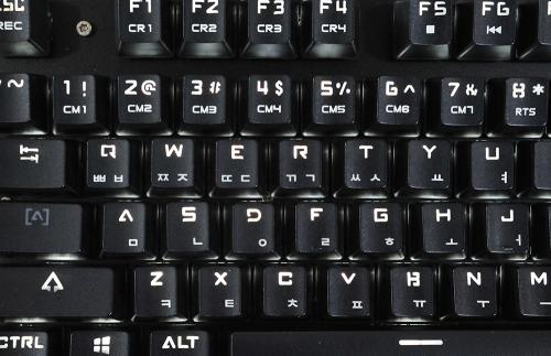 블랙으로 거듭난 기계식 키보드, 제닉스 TITAN MARK V BLACK