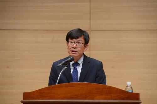 공정위의 프랜차이즈 업체 손보기… 업계 '살얼음판'