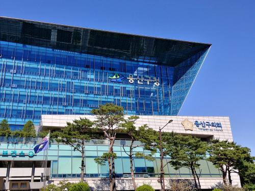 용산구청, 이태원관광특구연합회 기사에 신문구독취소로 보복