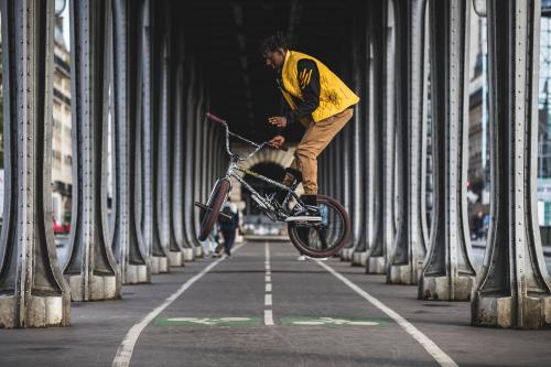 르꼬끄 스포르티브, 자전거족 위한 '프리마로프트' 소재 시프트패딩 출시